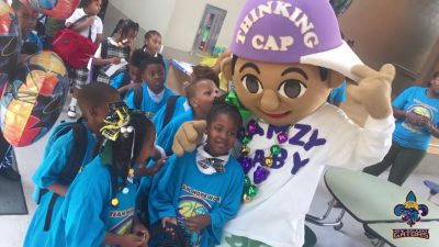 6087a071c NEW ORLEANS GATORS AND MASTER P GIVE BACK TO THE KIDS IN THE COMMUNITY